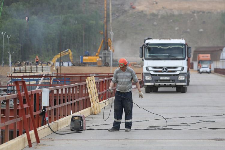 «Где-нибудь очередное строительство мусоросжигательного завода — гарантированно будет протест, строительство трассы М12 — будут местные бузить»