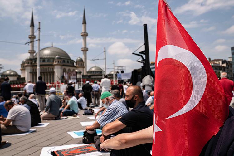 Турция оставалась «про запас» еще потой причине, что, начиная с2016 года, отношения между двумя странами если неухудшились, тосильно разладились