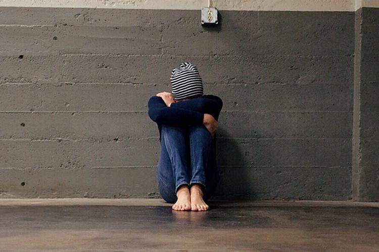 Кто может ответить навопрос— сколько издетей переходного возраста насегодня, сейчас находятся впограничном, стрессовом, психологически неустойчивом состоянии? Скольких травят сверстники или, того хуже, родители/опекуны?