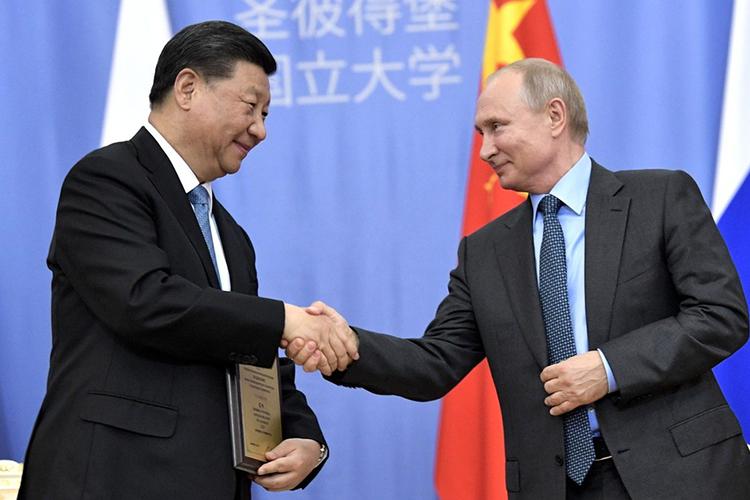 «Мывидим попытки разрушить отношения между Россией иКитаем, мывидим это впрактической политике. Иваши вопросы тоже связаны сэтим»