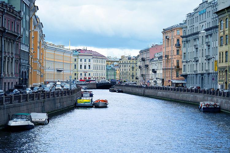 С17июня усиливает меры безопасности Петербург