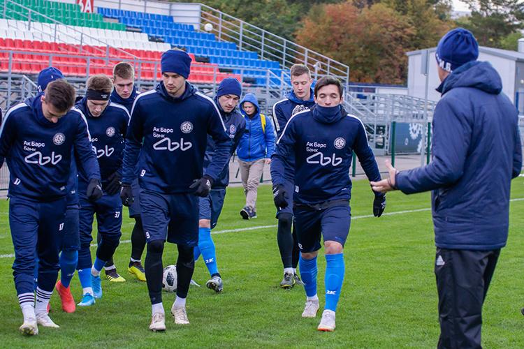 Помимо воспитанников основной состав будут усиливать талантливые молодые футболисты избольших клубов, которых КАМАЗ планирует брать варенду