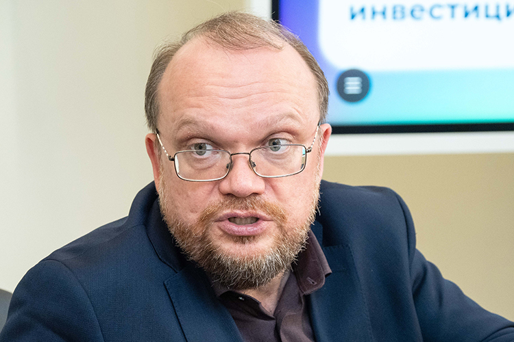 В2019 году«Таттелеком»возглавил бывший помощник президента РТАйрат Нурутдинов. Онже иподписал заявление наУлесова— всубботу, 12июня
