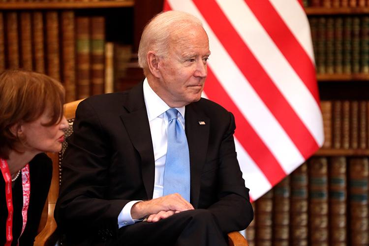 Байден навстрече сПутиным использовал «старый обамовский трюк» ивыдвинул ультиматум: «сдаться намилость вобмен наотмену санкций»