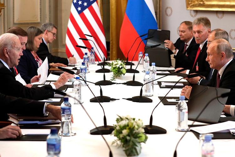 Прошедшие вшвейцарской Женеве переговоры были напряженными, носейчас можно сказать, что для российской стороны они оказались успешными. Такую оценку дал встречеВладимира ПутинаиДжо Байденапресс-секретарь президента РФДмитрий Песков