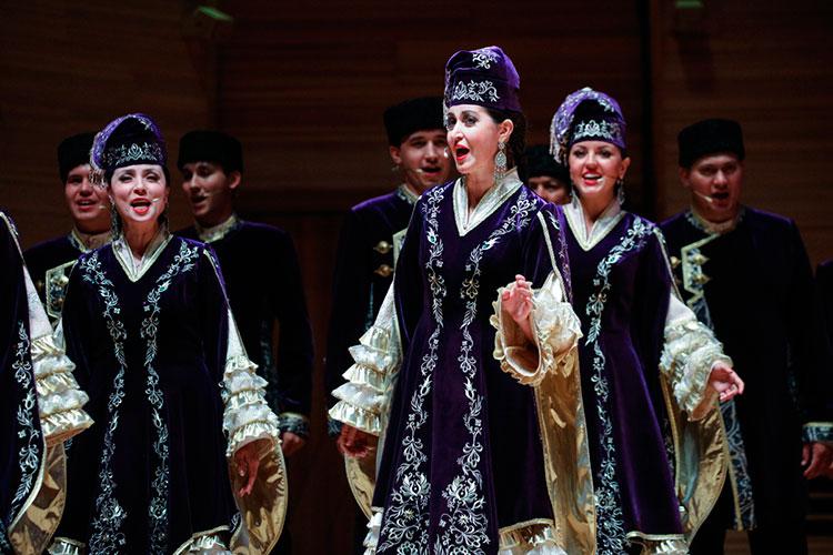 «Татарстан нетолько внутри региона уделяет большое внимание языку итрадициям. Онтакую работу проводит повсем субъектам Российской Федерации