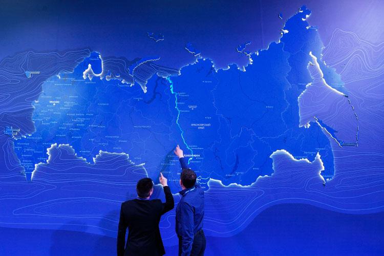 Давняя идея укрупнения российских регионов, ккоторой чиновники впоследнее время возвращаются все чаще, похоже, начинает приобретать конкретные очертания.