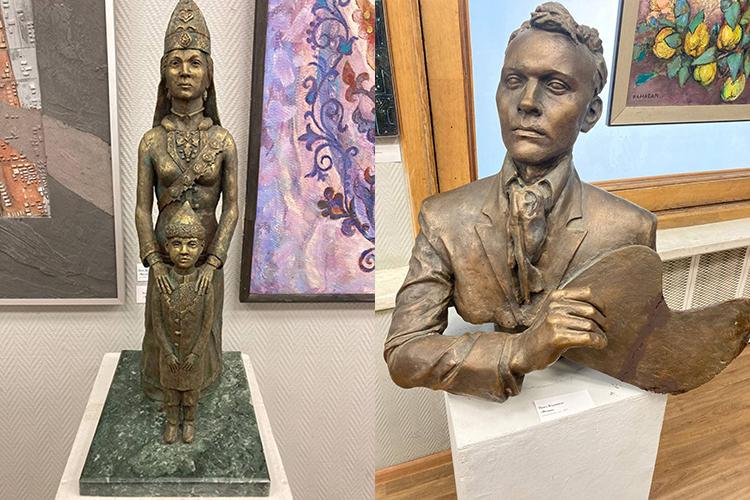 Помимо всего прочего между проходами стоят бронзовые скульптуры. Например, «Фешин»Павла Бердникова, который как-то украдкой поглядывает нацарящее перед ним художественное буйство