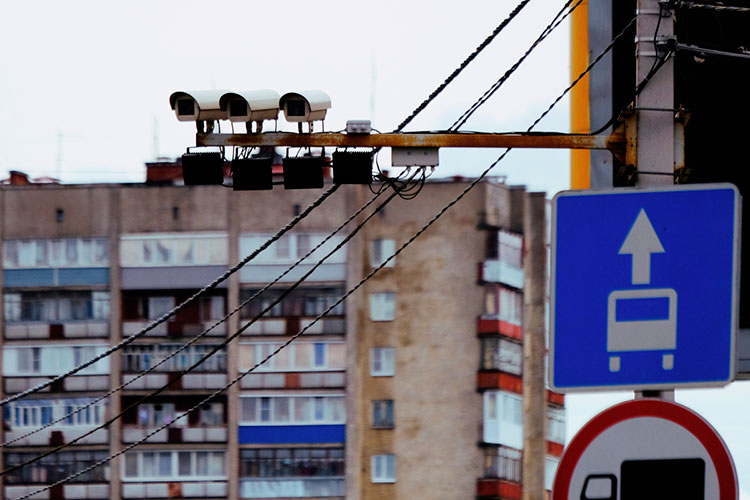 Функционал дорожных камер, установленных в городах Татарстана и на федеральных трассах, пополнится новой опцией — выявлением тех, кто не пристегнут ремнями безопасности