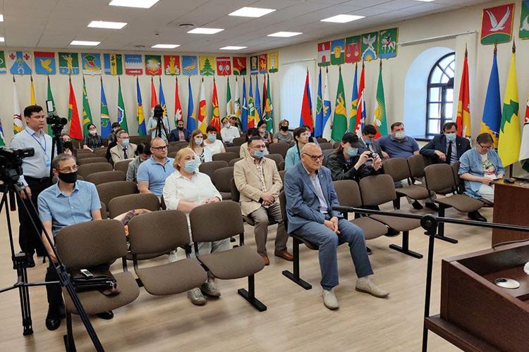 Расширенное заседание Ученого совета Института истории, посвященное 85-летию доктора исторических наук, профессора, действительного члена АНРТИндуса Тагированачалось, как изапланировано, ровно в11 часов