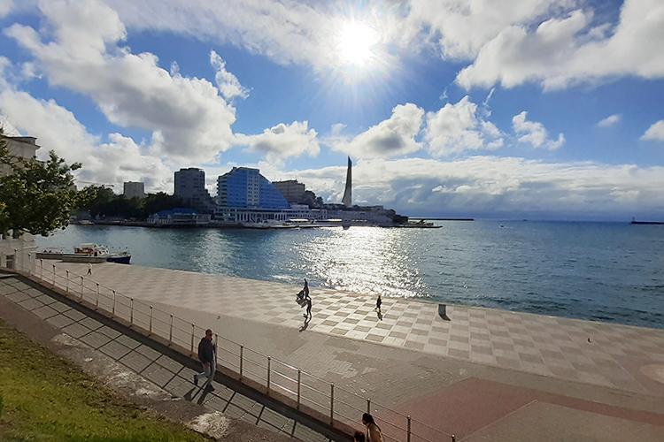 Первой точкой наших приключений стал чудесный Севастополь. Очень красивый город, вкотором сочетается все то, что нужно для классного отдыха