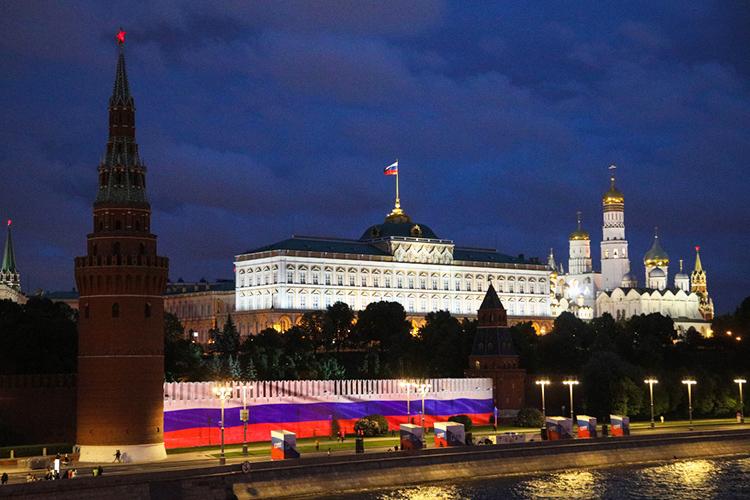 Россия вообще неугроза для Запада. Наша страна просто какбы пыталась занять место втрамвае этого Запада