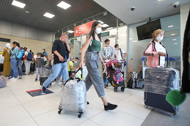 «Наши туристы хотят ехать, тем более что 80 процентов тех, укого были туры намай–июнь, несдали билеты. Ивот сейчас они туда поедут»