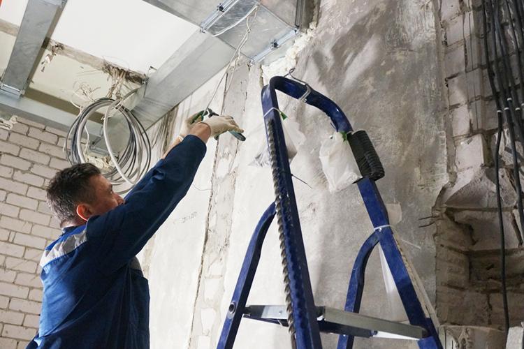 Для справки, 72 процента школьных зданий нуждаются втекущем ремонте, 10 [процентов]— вкапитальном