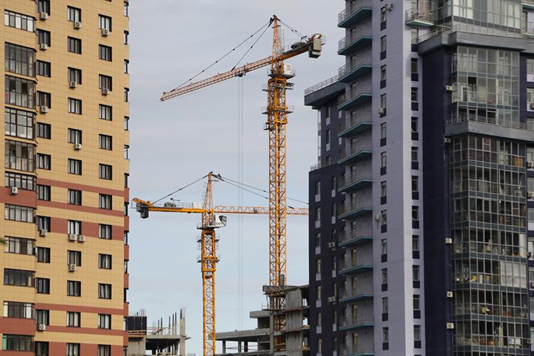 Запервые пять месяцев текущего года запущены новые проекты построительству жилья почти на15млн кв.м. Обращаю внимание, это на78 процентов больше, чем затотже период прошлого года