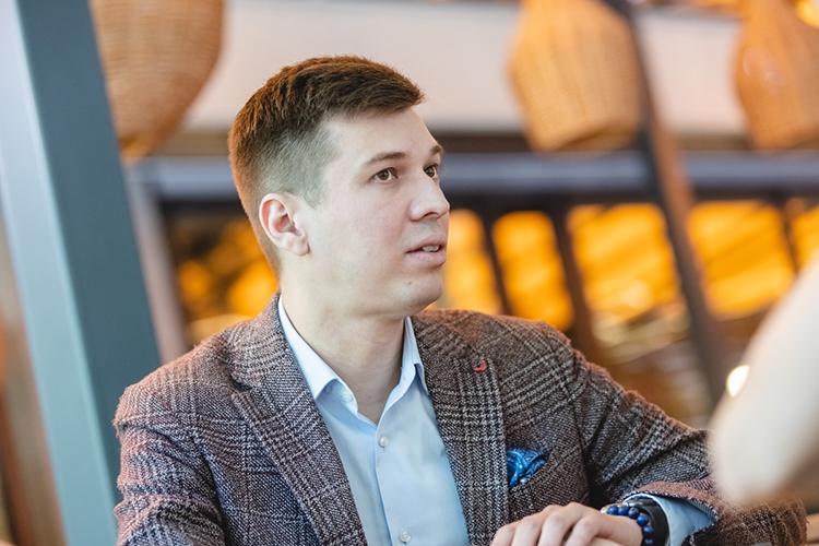 """Альбин Баймурзин:«Переговоры оботкрытии здесь ресторана шли около двух месяцев. Тимур Ланский сам сюда приезжал ивдохновился местом! Говорит: """"Душа легла!""""»,"""