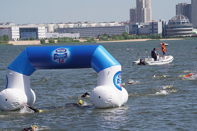 «Всего вплавании состязались 300 человек, втриатлоне было заявлено 1,5 тысячи»