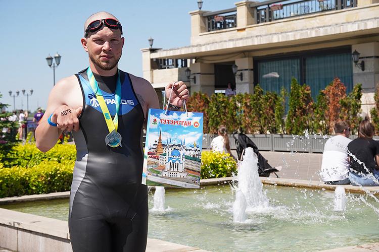 Вэто сложно поверить, ноеще 10 месяцев назад Зинченко неумел плавать ибегать ивесил 118 кг!
