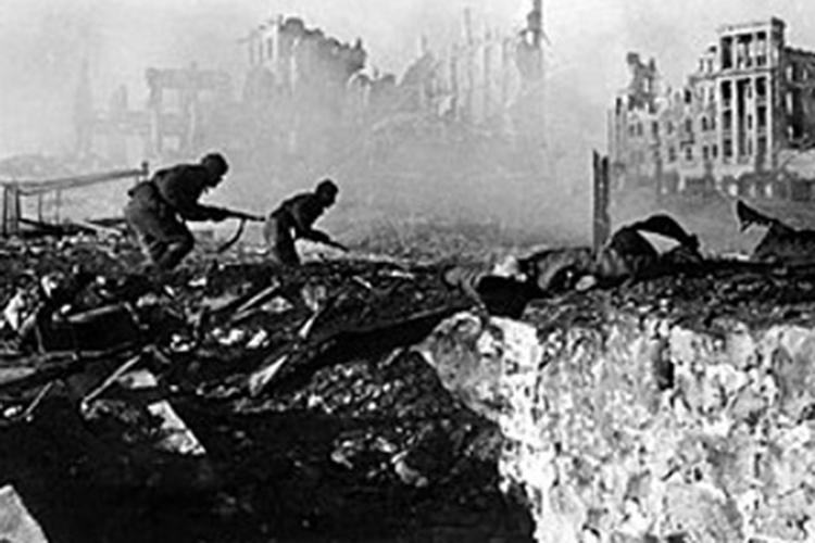«Надо понимать, что, несмотря на активное участие добровольцев, тех же французов, миллиона французских солдат на границе против нас не было»