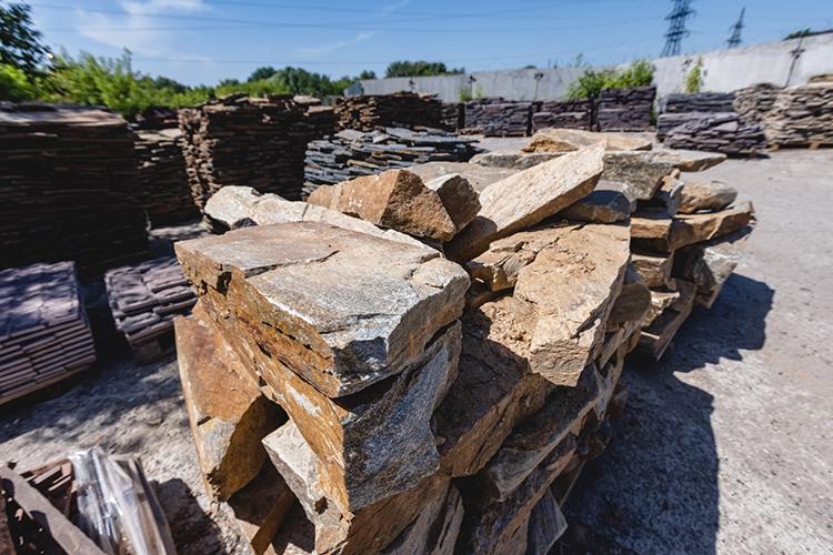 Конкуренции вобласти продаж природного камня вКазани нет вообще— почти все компании недержат камня вналичии, все поставляется под заказ