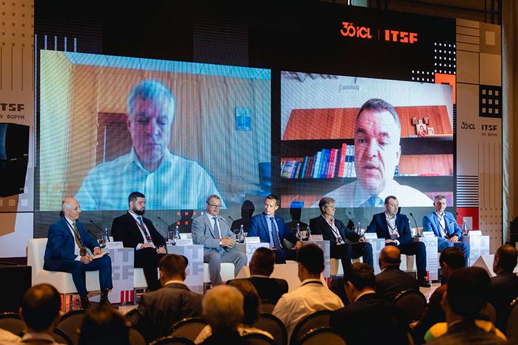 Василий Шпак: «Компании не торопятся рисковать рублем и покупать отечественные решения»