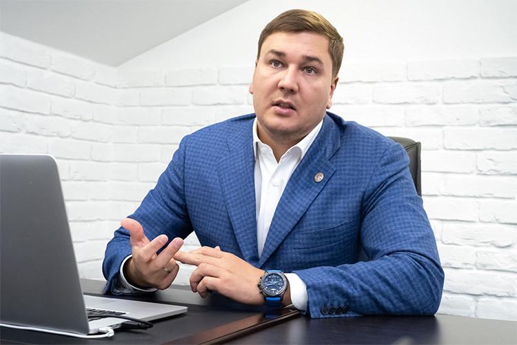 Еще один сельскохозяйственный «принц»— этоМинтимер Мингазов, сынВагиза Мингазова, возглавляющий группу компаний «Вамин»