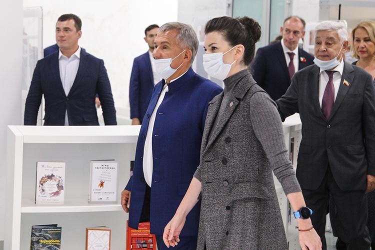 Наталия Фишман-Бекмамбетовнеустоявшая перед приглашением президента РТРустама Минниханова, приехала вКазань в24-летнем возрасте, чтобы представлять лицо программы парков искверов нетолько вТатарстане, ноивРоссии