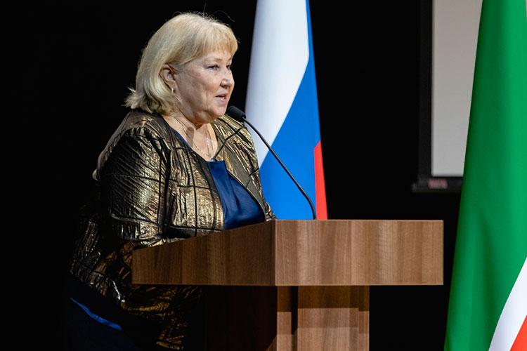Татарстан не мог остаться без внимания легендарного тренера Татьяны Покровской. Благодаря ей сборная России по синхронному плаванию не отдаёт золотые медали никому в мире