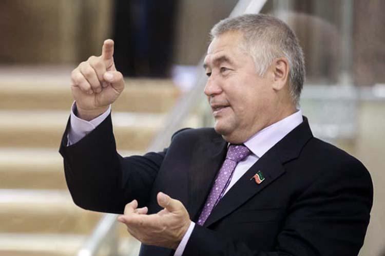Карпова называют протеже соучредителяАО«СМП-Нефтегаз»Фоата Комарова.Он рассказал, что знает нового замминистра еще сдетства ихарактеризует его как «достойного иперспективного» человека