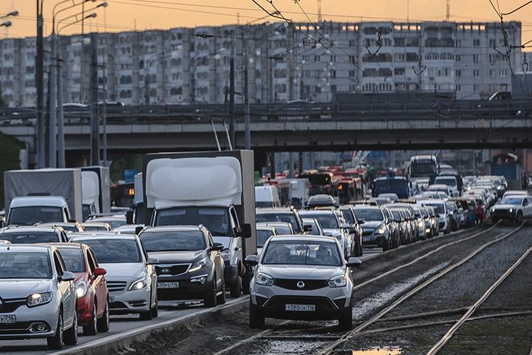 Разговоры отом, что темп строительства жилья вКазани съедает все титанические усилия поулучшению дорожной инфраструктуры, неновы. Если неразвивать транспортную инфраструктуру, жизнь окраин превратится вад