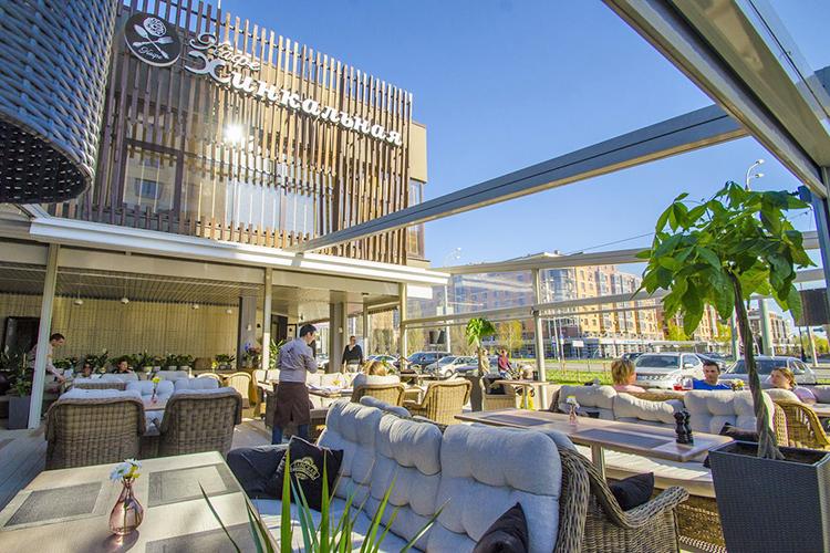 «Сегодня«Хинкальная» это несколько ресторанов— наУниверситетской, наДостоевского, наЧистопольской, наЧернышевского ивЗеленодольске»