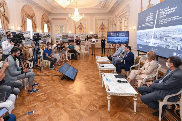 Одно изсамых представительных завсю истории архитектурных конкурсов вКазани жюри накануне шесть часов обсуждало конкурсные проекты.Витоге выбрано шесть призеров