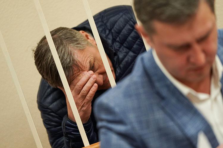 С начала прошлого года в ведомстве Рафиса Хабибуллина не утихают коррупционные скандалы. Так, в марте 2020 года был задержан его зам Ильхам Насибуллин