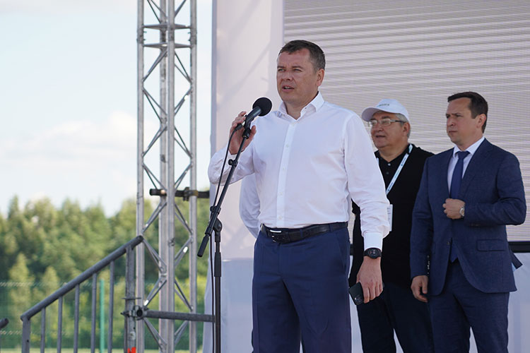 Марат Зяббаров открыл конференцию на позитивной ноте: республика может гордиться успехами в сельском хозяйстве, последние годы она уверенно занимает 4-5 место по России и первое место в ПФО по доле валовой продукции сельского хозяйства