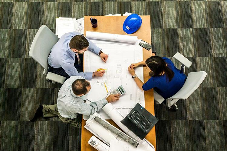 «Закаждым брокером стоит команда профессионалов, которые решают финансовые, маркетинговые, технические ииные вопросы»