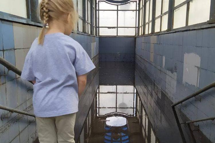 Подземный переход уостановки созвучным названием «Океан» сегодня утром затопило полностью