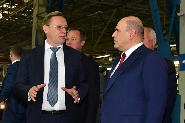 Сохранил засобой второе место втоп-100 гендиректор ПАО «КАМАЗ»Сергей Когогин (слева)