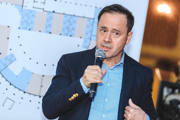 Зуфар Гаязов, гендиректор ООО«Татинтер— Ресторантс» ипрезидент Ассоциация рестораторов иотельеров РТпереместился надве позиции вверх, на73 место