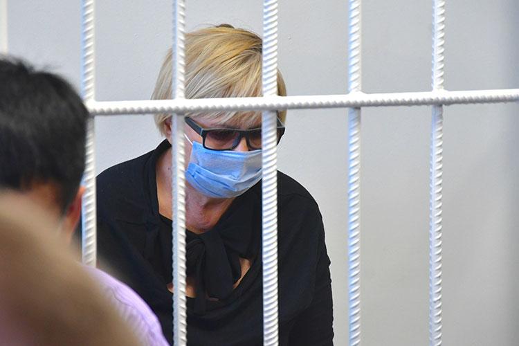 Почти неделю в изоляторе временного содержания провела директор Набережночелнинского медицинского колледжа Светлана Вахитова и ее дочь Гульнара Закирова