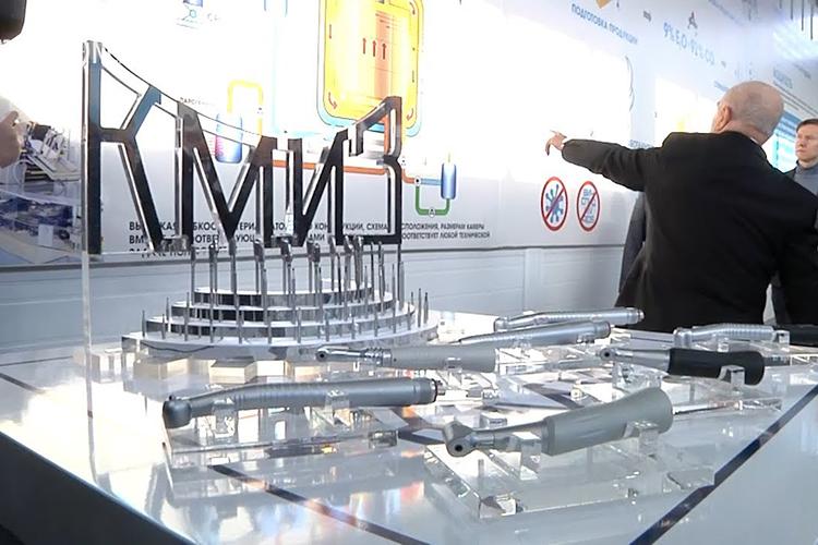 Выручка АО«КМИЗ»в2020 году увеличилась на3% до555млн рублей. Уровень поступлений— рекордный, покрайней мере, для последних 5 лет, покоторым доступны отчеты