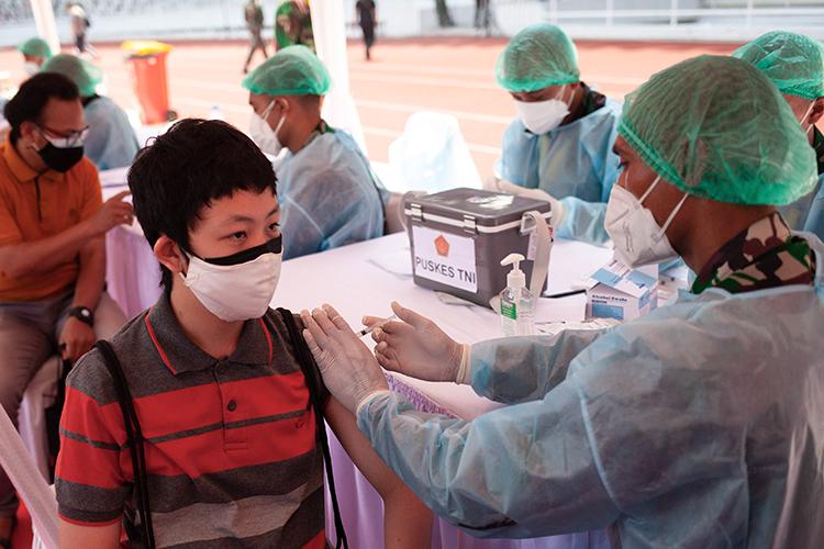 ВСША уже начата вакцинация откоронавируса идетей