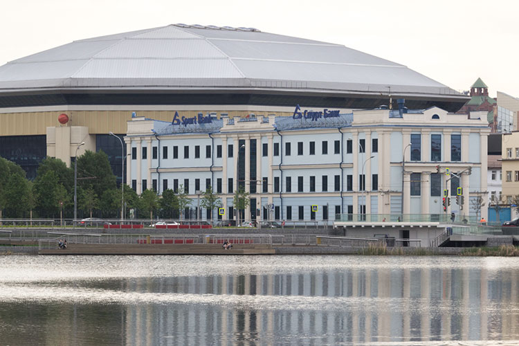 Напомним, что в 2019 году СИНХ купил с банкротных торгов здание головного офиса Спурт банка за 270 млн рублей