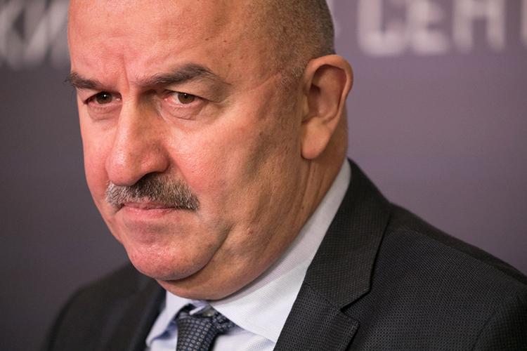 Сегодня состоялась ожидаемая отставка Станислава Черчесова— орасторжении контракта сглавным тренером объявилРФС
