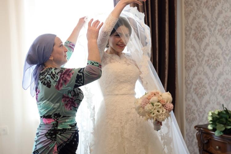 Процент разводов висламский неофитской среде крайне высок. Так исламские нормы, прекрасно работающие втрадиционалистском обществе, нобудучи механически ибездумно перенесенными внаши реалии, дают сбой