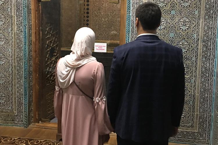 ВУзбекистане произошла либерализация законодательства врелигиозной сфере.Главное нововведение— это разрешение носить хиджаб вобщественных местах