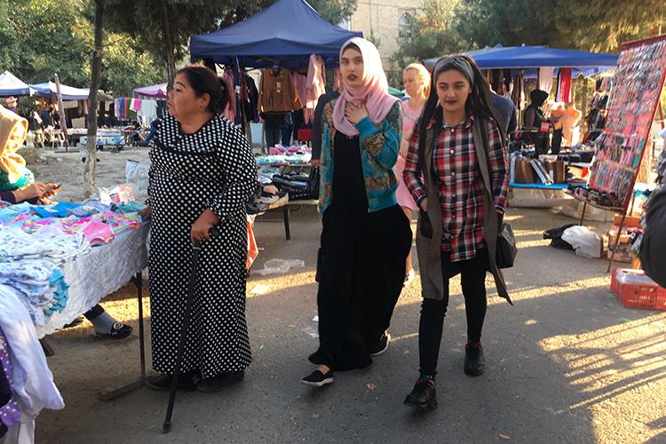 Ноосновное нововведение— это разрешение наношение хиджаба. Для Узбекистана— это насамом деле большое изнаковое событие. Женщины-мусульманки неоднократно привлекались кадминистративной ответственности запоявление вхиджабе вобщественных местах