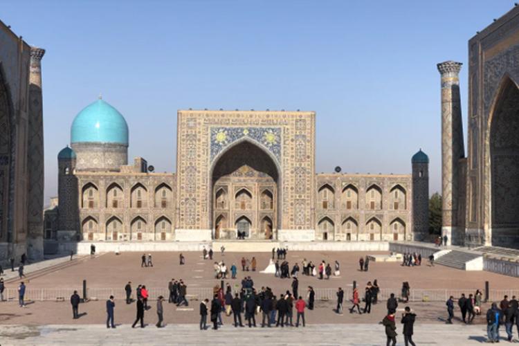 Всвое время большинство населения Узбекистана безоговорочно поддержало политику «закручивания гаек», проводившуюся ныне покойным президентом Исламом Каримовым