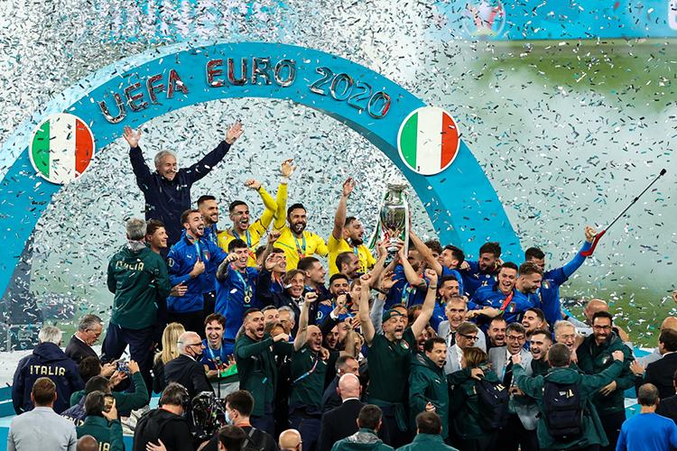 55 лет прошло споследней большой победы англичан (ЧМ-66) и15 ситальянской— обе победы были добыты начемпионатах мира
