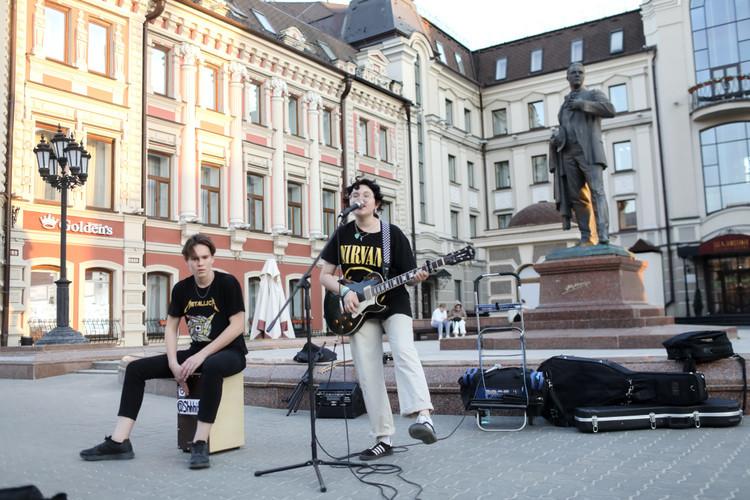 «Казань— город равных возможностей, поэтому все должны иметь равные условия, чтобы заниматься творчеством, вплане регулирования работы артистов город пошел по«своему пути»
