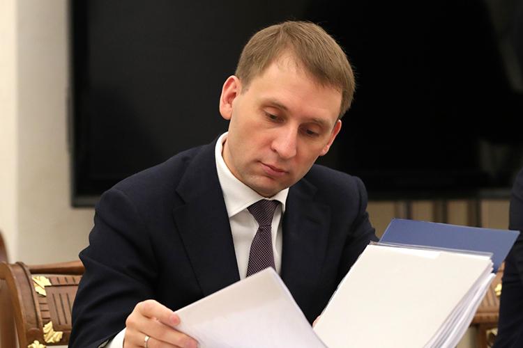 Министр природных ресурсов иэкологии РФАлександр Козлов оценивает возможные потери российских экспортеров в3млрд евро ежегодно вслучае отсутствия экологической модернизации